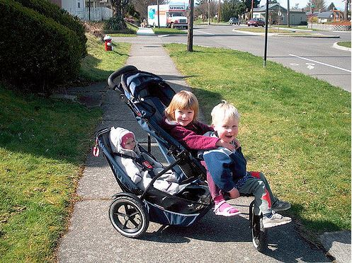 How to Choose the Best Triple Stroller for Twins and Toddler